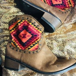 Route 66 Aztec inspired bootie cowboy size 10